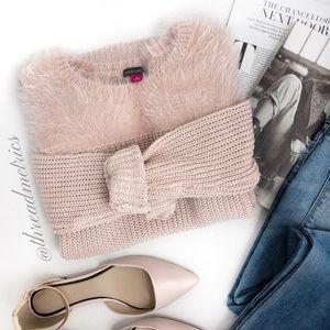 V I N C W Camuto • Blush Crew Neck Sweater